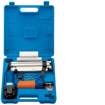 Combination Air Nailer/Stapler Kit